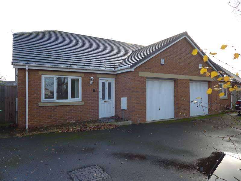 2 Bedrooms Semi Detached Bungalow for sale in Station Road