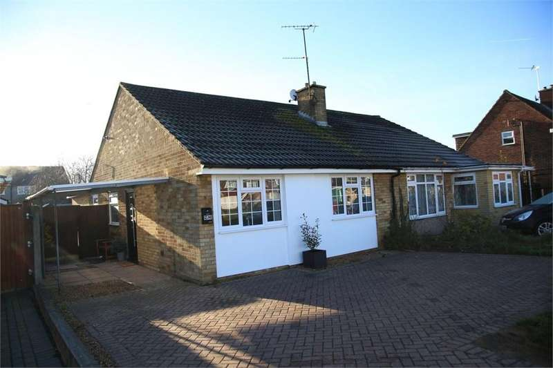 3 Bedrooms Semi Detached Bungalow for sale in Seacourt Road, Langley, Berkshire