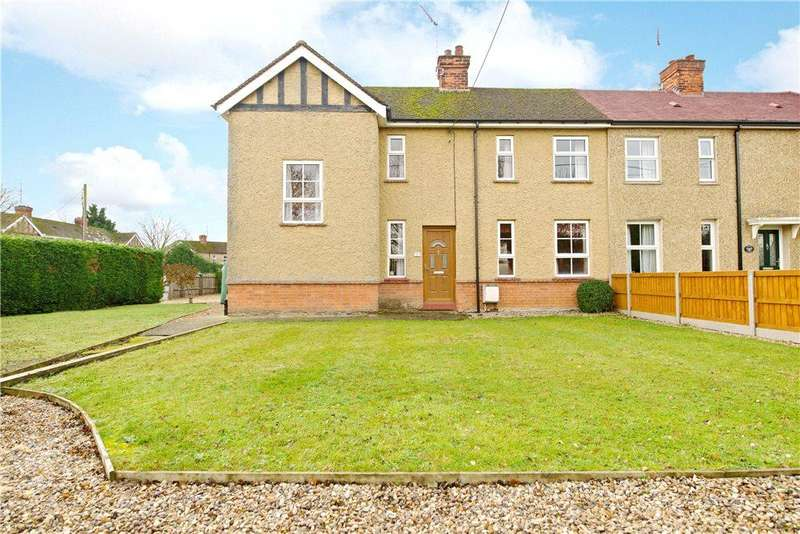 3 Bedrooms Semi Detached House for sale in Wood Road, Harrold, Bedfordshire
