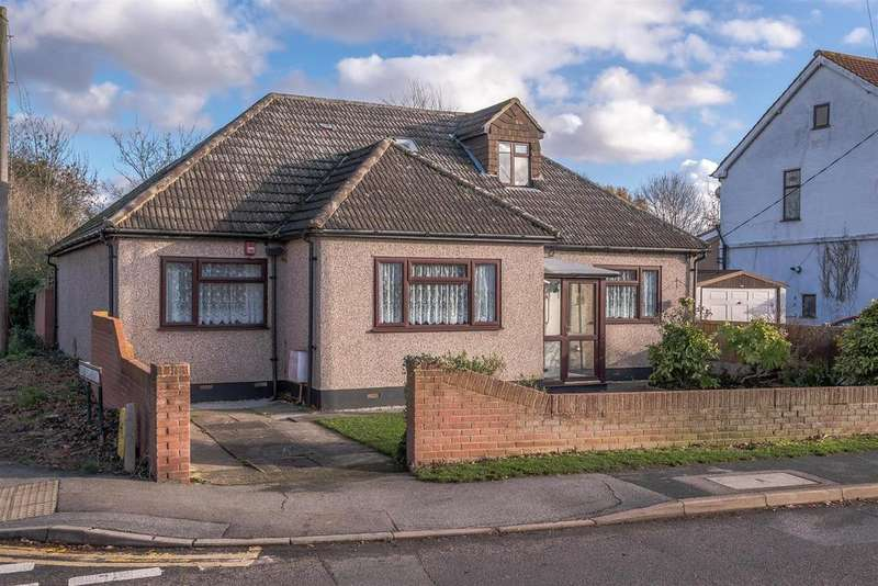 3 Bedrooms Detached Bungalow for sale in Swan Lane, Wickford
