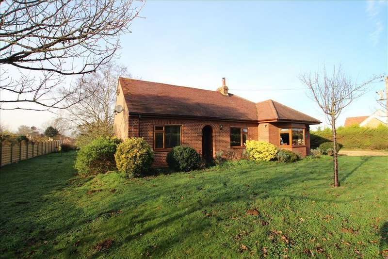 3 Bedrooms Detached Bungalow for sale in Little Heath, Gamlingay, SG19