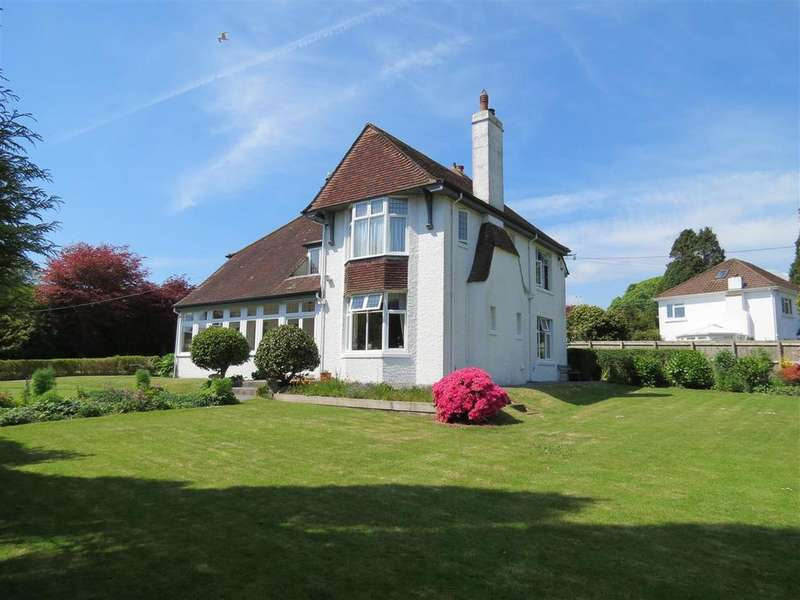 4 Bedrooms Detached House for sale in Poltair Road, St. Austell