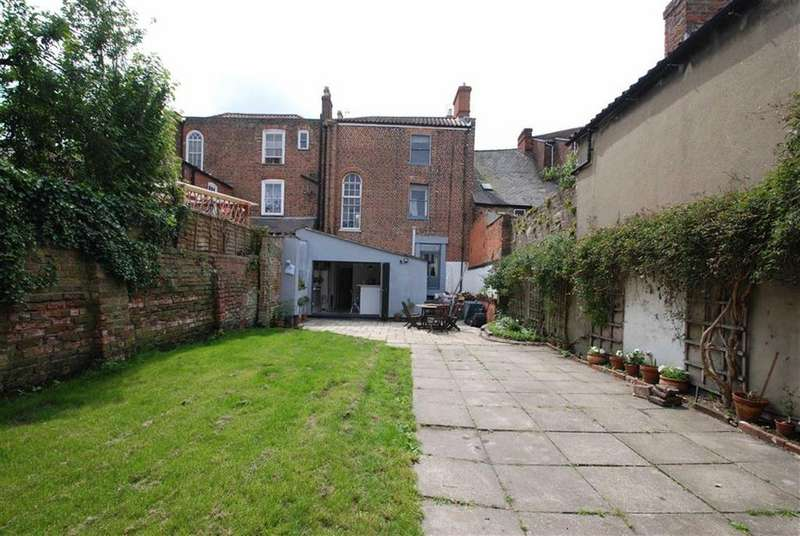 4 Bedrooms Terraced House for sale in Witham Place, Boston