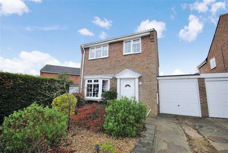 3 Bedrooms Detached House for sale in Melfort Drive, Linslade, Leighton Buzzard