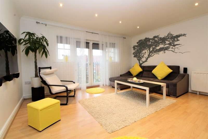 2 Bedrooms Flat for sale in Caspian Way, Purfleet