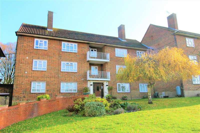 3 Bedrooms Flat for sale in Alexandra Road, London