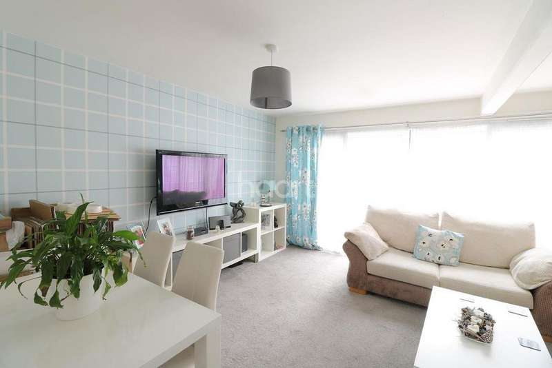 3 Bedrooms Terraced House for sale in Little Berries