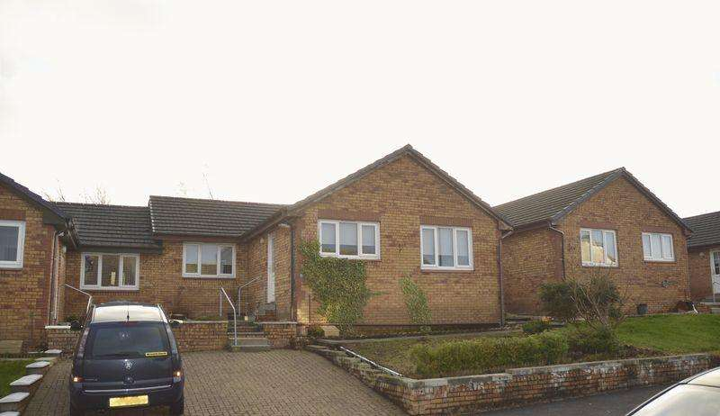 3 Bedrooms Semi Detached Bungalow for sale in Hillside, Catrine