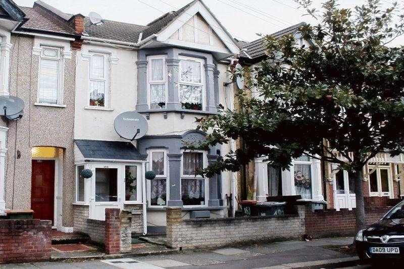 3 Bedrooms Terraced House for sale in Haldane Road, London