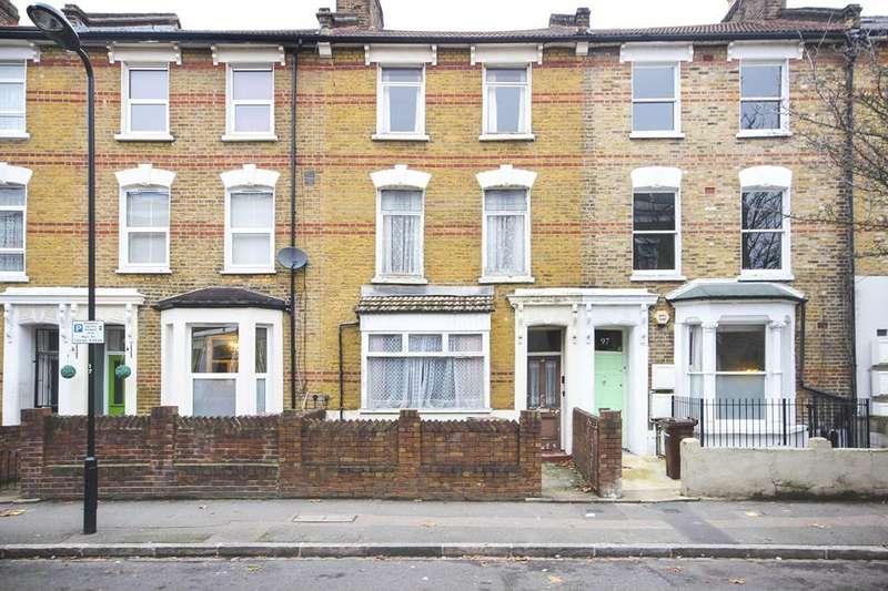 4 Bedrooms Property for sale in Glenarm Road, London, E5