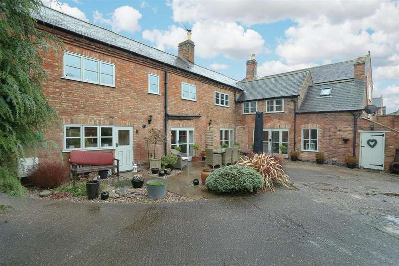 5 Bedrooms House for sale in Main Street, Kilby, Leicestershire