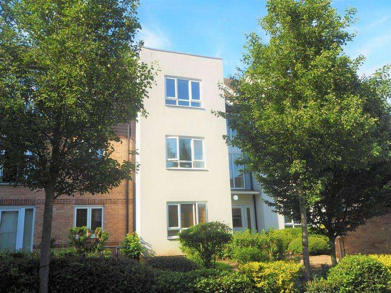 2 Bedrooms Flat for sale in Spacious Apartment Thornhill Court, Langley