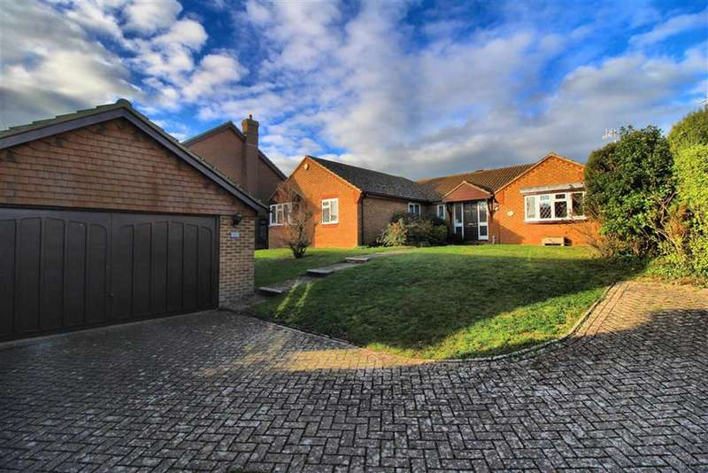4 Bedrooms Detached Bungalow for sale in Grand Avenue, Seaford, East Sussex