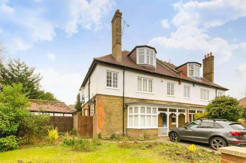 5 Bedrooms House for sale in Queen Annes Gardens, Bush Hill Park, EN1