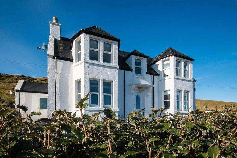 4 Bedrooms Detached House for sale in Lower Milovaig, Isle Of Skye