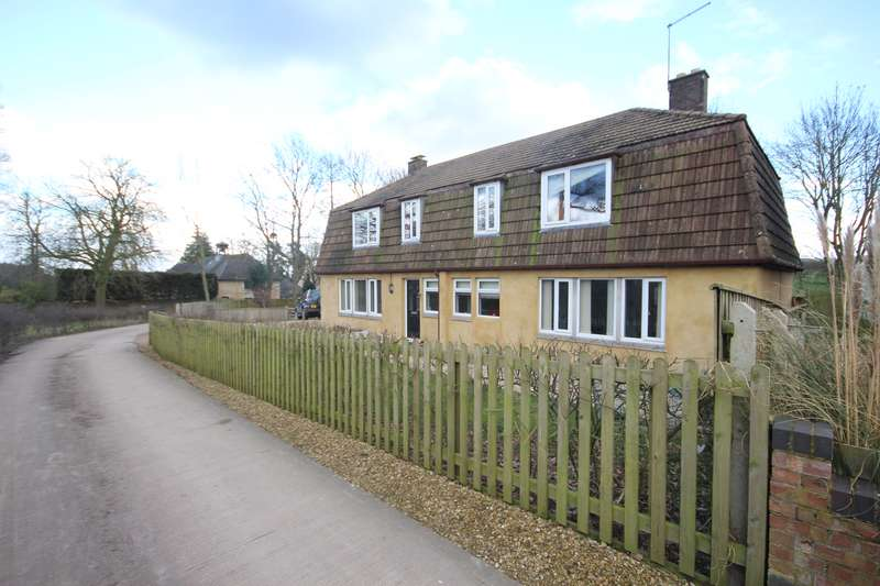 3 Bedrooms Property for sale in Stocken Hall Road, Stretton, Oakham