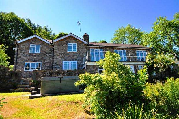 4 Bedrooms Detached House for sale in Glanrafon, Glanrafon, Corwen