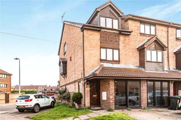 3 Bedrooms End Of Terrace House for sale in Vita Road, Portsmouth