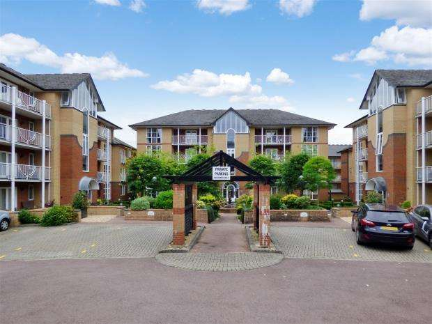 2 Bedrooms Maisonette Flat for sale in St. Catherines Road, Southampton