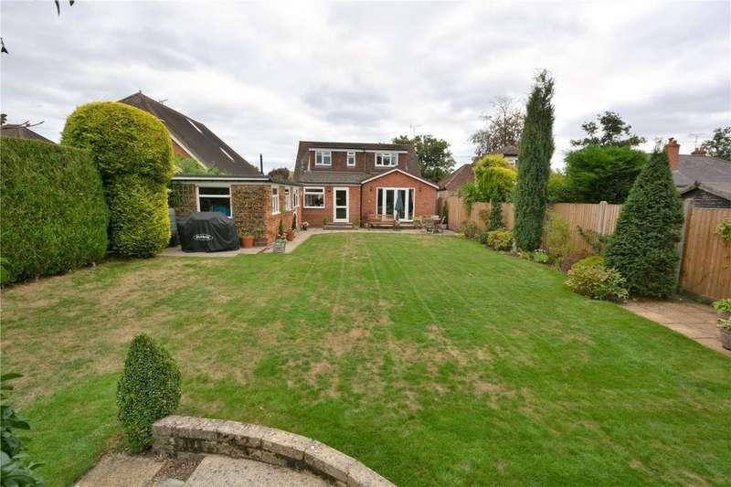 4 Bedrooms Detached Bungalow for sale in Barkham Road, Wokingham, Berkshire, RG41