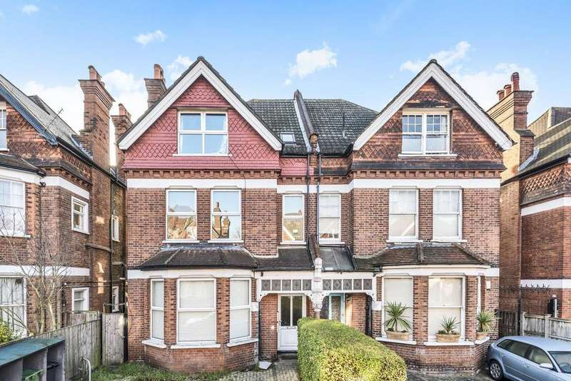 3 Bedrooms Flat for sale in Pinfold Road, Streatham
