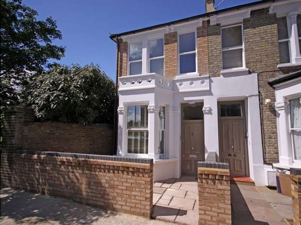 3 Bedrooms Semi Detached House for rent in Wendell Road, Shepherds Bush