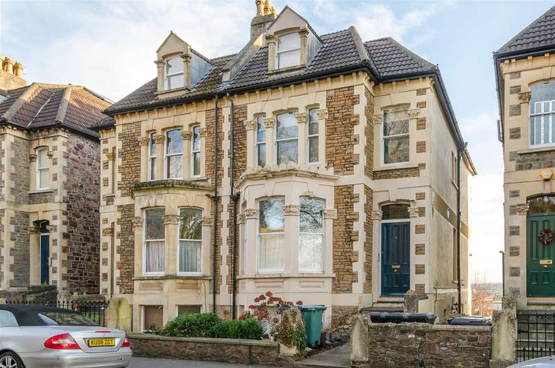 2 Bedrooms Flat for sale in Randall Road, Cliftonwood