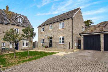 4 Bedrooms Detached House for sale in Jays Close, Kingswood, Bristol, South Gloucestershire
