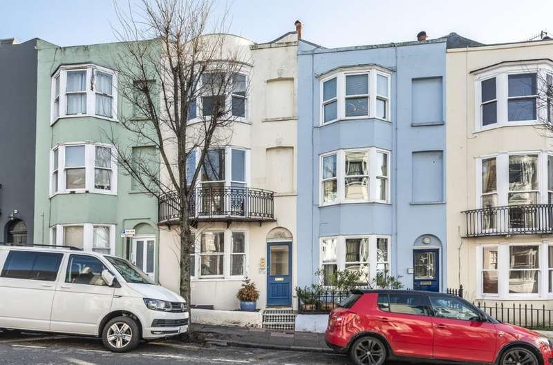1 Bedroom Flat for sale in Egremont Place, Brighton, , BN2