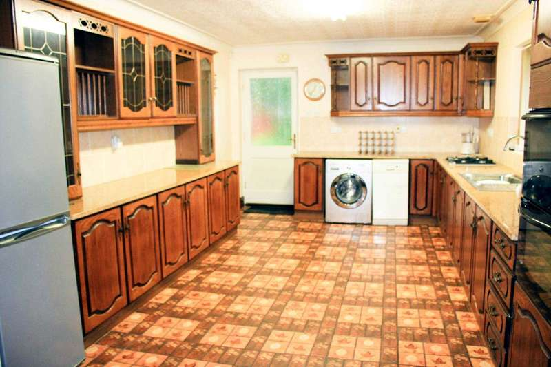 4 Bedrooms Detached Bungalow for sale in Jesmond Road