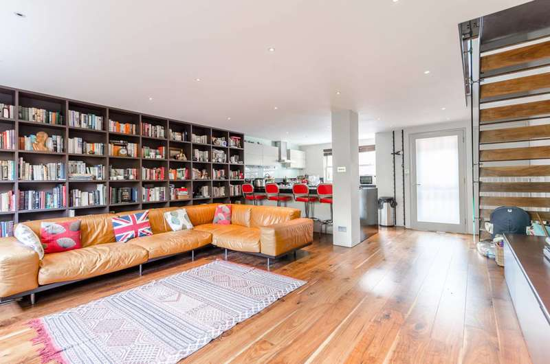 3 Bedrooms Terraced House for sale in Lockesfield Place, Canary Wharf, E14