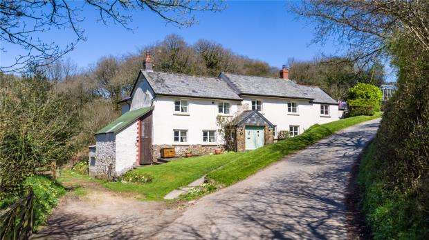 4 Bedrooms Detached House for sale in Ashreigney, Chulmleigh, Devon