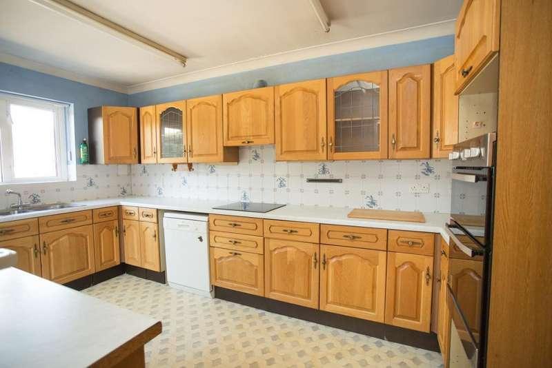 5 Bedrooms Detached House for sale in Foords Lane, Vines Cross, East Sussex, TN21 9EU