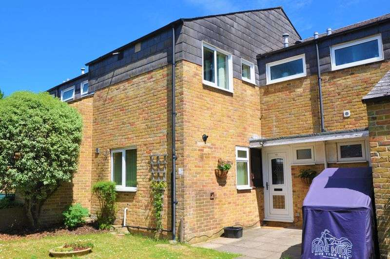 3 Bedrooms Property for sale in Florence Court, Andover