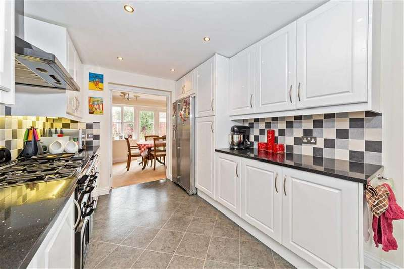 3 Bedrooms Detached House for sale in Alban Road, Letchworth Garden City, Hertfordshire