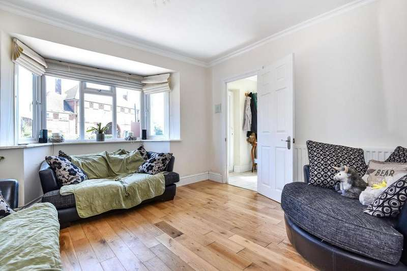 3 Bedrooms Semi Detached House for sale in Linkway, Raynes Park