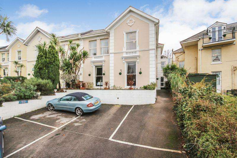 8 Bedrooms Guest House Commercial for sale in Guest House, Bampfylde Road, Torquay