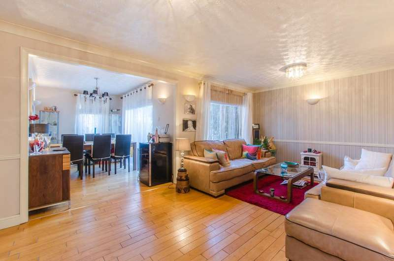 4 Bedrooms Semi Detached House for sale in Neatscourt Road, Beckton, E6