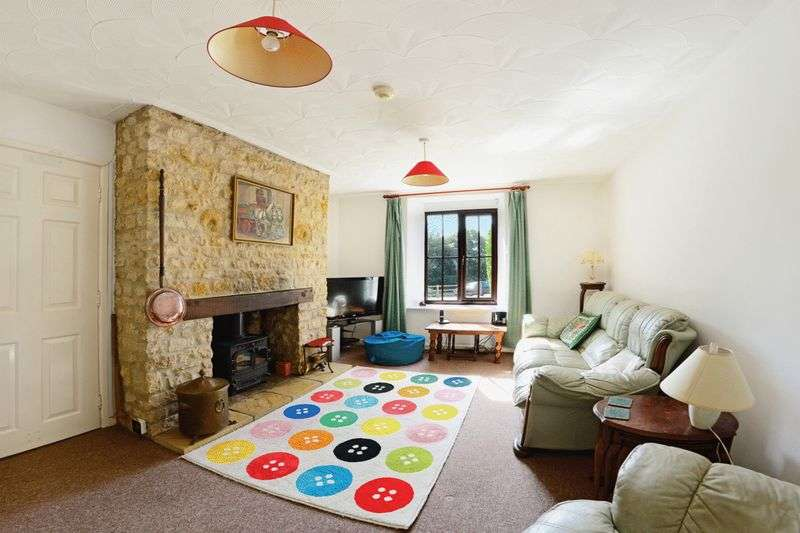 4 Bedrooms Property for sale in Broadwindsor, Beaminster, DT8