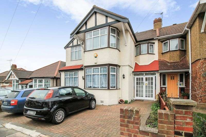 5 Bedrooms Property for sale in Merrivale Avenue, Ilford