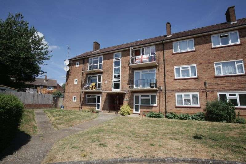 2 Bedrooms Property for sale in Friars Close, Luton