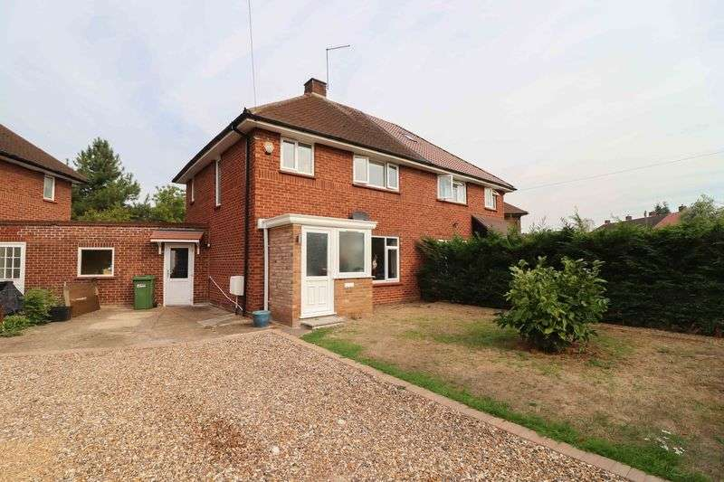 3 Bedrooms Property for sale in Blumfield Crescent, Burnham.