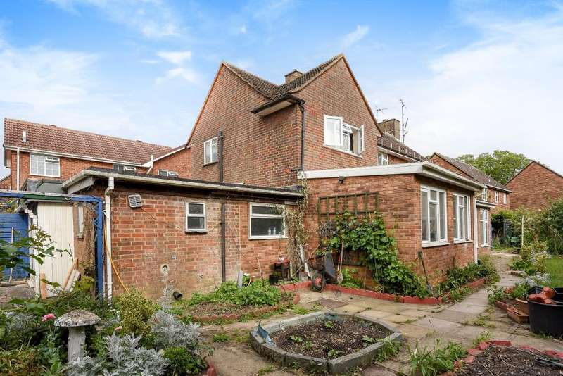 5 Bedrooms Detached House for sale in Borders Stoke Mandeville, Aylesbury, HP21