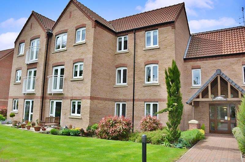 2 Bedrooms Property for sale in Swallows Court II, Spalding, PE11 1GZ