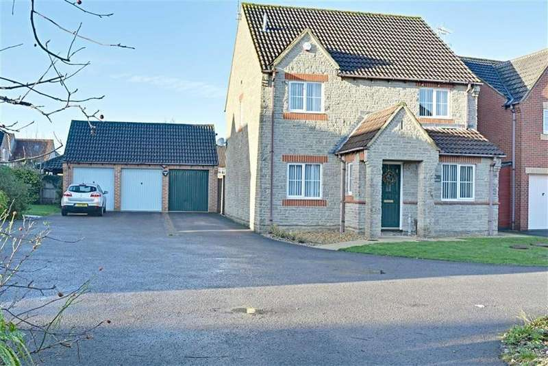 4 Bedrooms Detached House for sale in Springdale Close Hardwicke