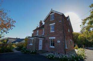 6 Bedrooms Detached House for sale in Vicarage Road, Burwash Common, Etchingham, East Sussex