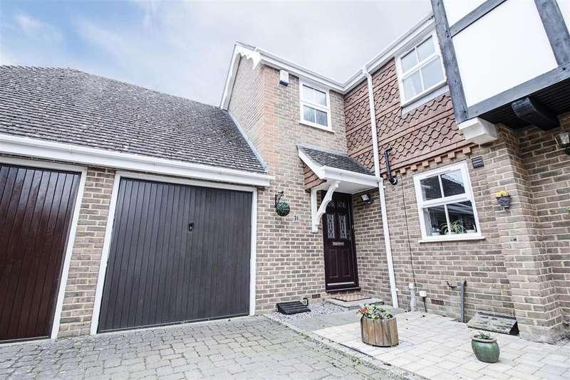 3 Bedrooms End Of Terrace House for sale in Burfield Road, Old Windsor, Windsor