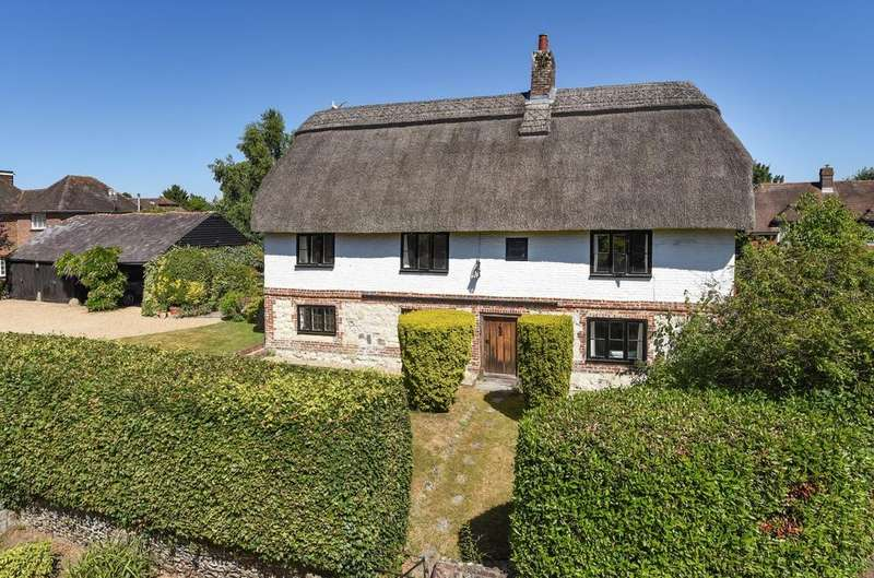 4 Bedrooms Detached House for sale in Prinsted Lane, Prinsted, Emsworth, PO10