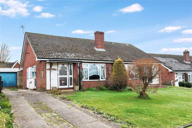 3 Bedrooms Bungalow for sale in Greenlands Road, Kingsclere, Newbury, Hampshire, RG20
