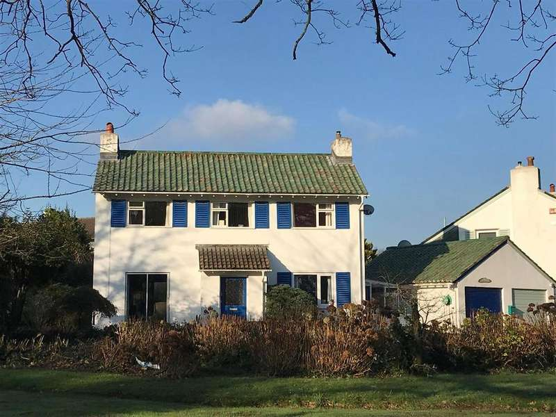 3 Bedrooms House for sale in Sea Road, Carlyon Bay, St. Austell